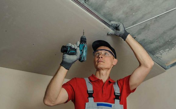 Fitting a plasterboard ceiling
