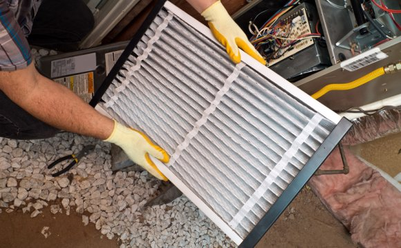 Changing an air filter