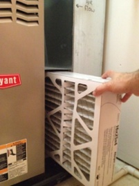 How to insert a furnace air filter depends on the air flow direction